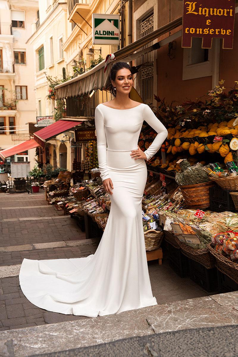 Model-Paola